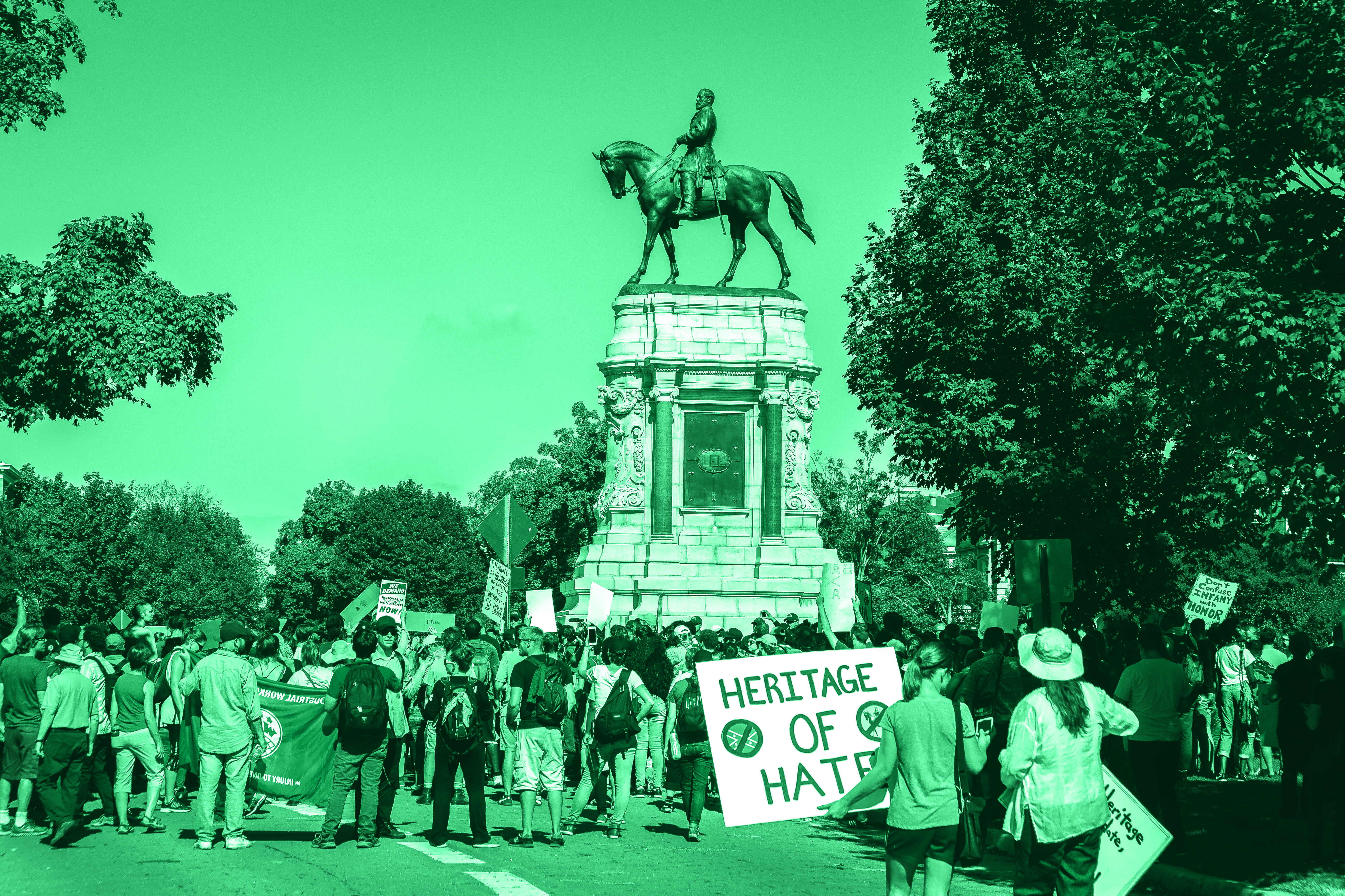 DC protest of a Confederate monument