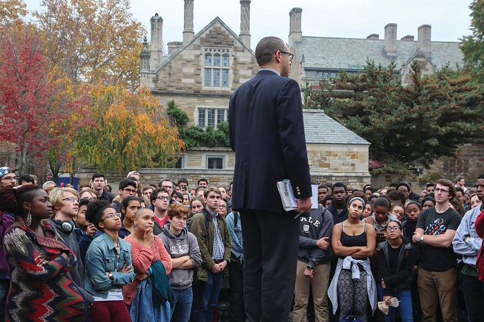 Yale College dean Jonathan Holloway meeting with students during last fall's protests. At the 2016 annual meeting, Holloway said listening to students was an important skill for administrators. Yale Daily News