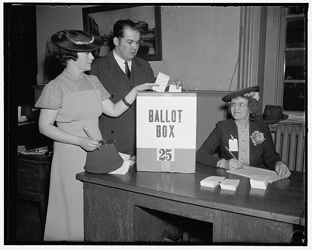 Washington, DC, residents cast their votes in 1938. Library of Congress