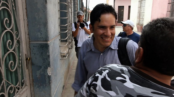 José Manuel García, accompanied by a documentary filmmaking team, gets ready to enter the home he left in Cuba in 1980. José Manuel García/NFocus