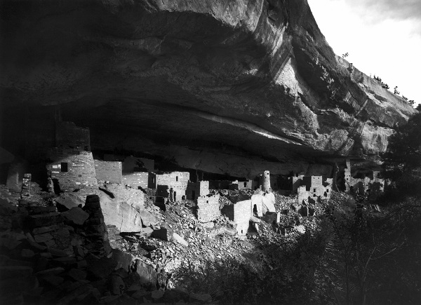 Cliff Palace at the Mesa Verde National Park, a World Heritage site (1891)