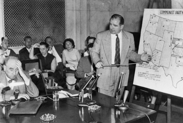 Senator Joseph McCarthy questions Joseph Nye Welch, chief counsel of the US Army, during the Army-McCarthy Hearings in 1954. Credit: Wikimedia Commons