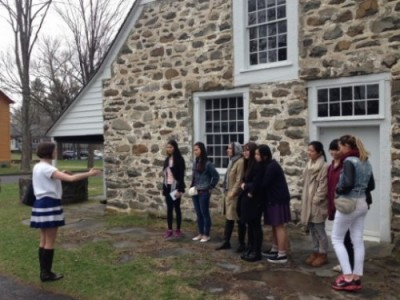 An interpreter leads a tour of historic New Paltz.