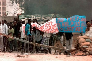 A February 1993 photo showing protestors outside the US embassy in Mogadishu, Somalia's capital. They appear to be protesting the presence of US-led coalition forces in the country. Source: Wikimedia Commons
