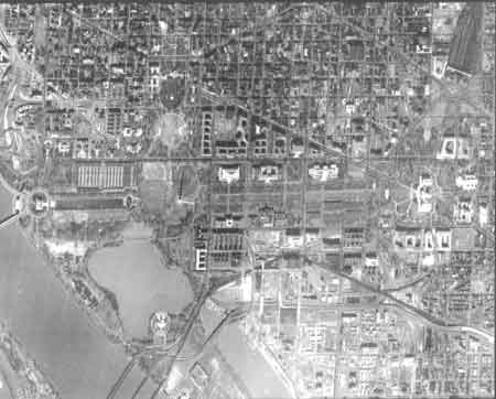 Satellite photograph of Washington, DC, dated February 19, 1966, from the KH-7 Mission 4025. Courtesy of the National Imagery and Mapping Agency.